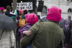 Famílias no março das mulheres em Zurique Fotos de Stock