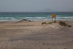 Famara海滩在兰萨罗特岛 图库摄影