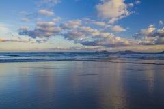 Famara-Strand, Lanzarote, Atlantik lizenzfreies stockfoto