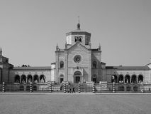 Famedio en Cimitero Monumentale (cementerio monumental) en Milán, blanco y negro Imágenes de archivo libres de regalías