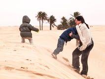 Famiglia al deserto Fotografia Stock