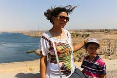 Famiglia all'alta diga - Egitto Fotografia Stock Libera da Diritti