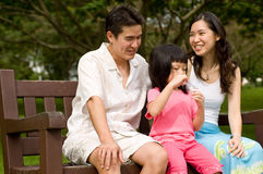 Famiglia all'aperto immagini stock libere da diritti