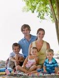 Famiglia alla spiaggia Fotografia Stock Libera da Diritti