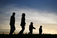 Famiglia ambulante Fotografie Stock Libere da Diritti