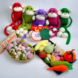 Famiglia, animale farcito, nuovo anno, scimmia, divertente Fotografie Stock