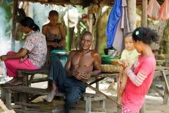Famiglia cambogiana dell'agricoltore Immagine Stock