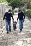 Famiglia caucasica asiatica della corsa mista Fotografia Stock Libera da Diritti