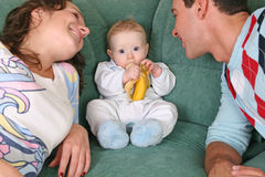 Famiglia con il bambino Fotografie Stock Libere da Diritti