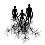 Famiglia con le radici dell'albero Immagini Stock