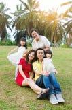 Famiglia delle generazioni dell'asiatico tre immagine stock