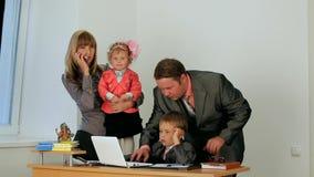 Famiglia di affari archivi video