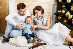 Famiglia di nuovo anno Fotografia Stock Libera da Diritti