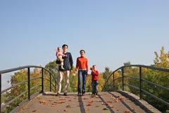Famiglia di quattro immagini stock