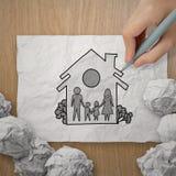 Famiglia e casa di tiraggio della mano come assicurazione Fotografia Stock Libera da Diritti