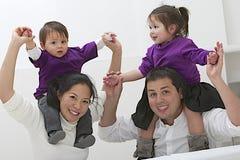 Famiglia etnica felice fotografia stock