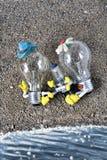 Famiglia felice alla spiaggia Fotografie Stock Libere da Diritti