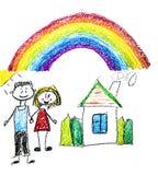 Famiglia felice con i piccoli bambini Madre e padre con i bambini Fratello e sorella con i genitori La mia famiglia con la casa e immagine stock