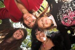 Famiglia felice esterna Fotografie Stock Libere da Diritti