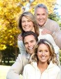 Famiglia felice in sosta immagini stock libere da diritti