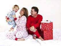 Famiglia felice su natale Immagine Stock Libera da Diritti