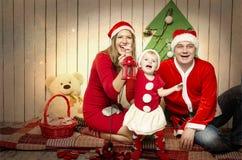 Famiglia felice su natale Immagine Stock