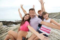 Famiglia felice sulle vacanze estive Immagini Stock Libere da Diritti