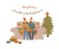 Famiglia, genitori svegli e bambini del fumetto celebranti natale, sedentesi sul sofà che scambia i regali di natale illustrazione di stock