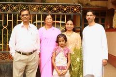 Famiglia indiana felice ed intelligente Fotografie Stock Libere da Diritti