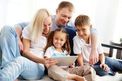 Famiglia moderna Immagine Stock