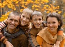 Famiglia sorridente felice Immagine Stock