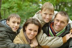 Famiglia sorridente felice Immagini Stock Libere da Diritti