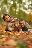 Famiglia sorridente felice Fotografie Stock