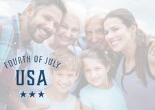 Famiglia sorridente per il quarto luglio Fotografia Stock