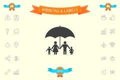 Famiglia sotto l'ombrello - la famiglia protegge l'icona Immagini Stock Libere da Diritti