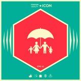 Famiglia sotto l'ombrello - la famiglia protegge l'icona Immagini Stock