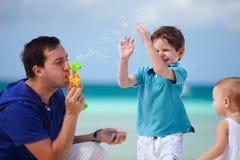 Famiglia sulla vacanza Immagine Stock