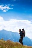 Famiglia un giorno di trekking nelle montagne Mangart, Julian Alps, Fotografia Stock