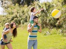 Familia al aire libre Imagen de archivo
