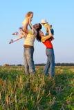 Familia al aire libre Imagenes de archivo