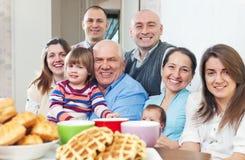Familia alegre grande de tres generaciones Fotografía de archivo libre de regalías