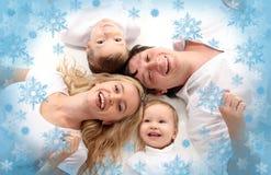 Familia amistosa de la felicidad imagen de archivo