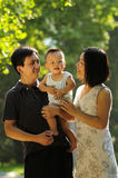 Familia asiática feliz fotografía de archivo libre de regalías