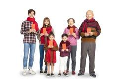 Familia asiática que celebra Año Nuevo chino fotografía de archivo libre de regalías