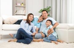 Familia asiática Fotos de archivo libres de regalías