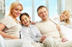 Familia cómoda Imagenes de archivo