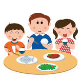 Familia, comiendo Imágenes de archivo libres de regalías