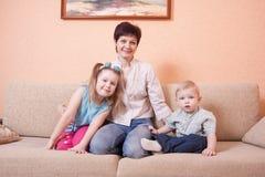 Familia de interior Imagenes de archivo