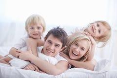 Familia de la felicidad fotografía de archivo libre de regalías