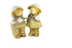 Familia de la muñeca de las ovejas en el blackground blanco Imagen de archivo